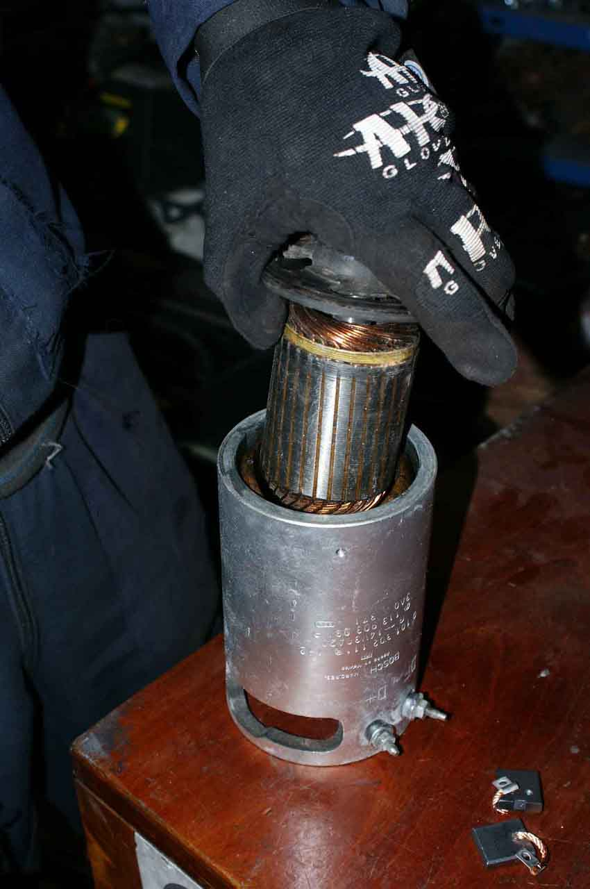cambio de la armadura del generador para vocho